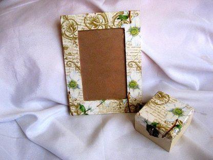 Set cadou cutie si rama fotografie lemn 25910