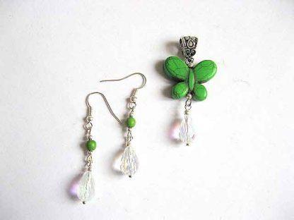 Bijuterie howlite verde cristale, set pandantiv fluture si cercei 23046