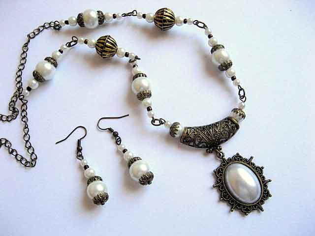 Bijuterii handmade colier cu pandantiv si cercei perle sticla 16974