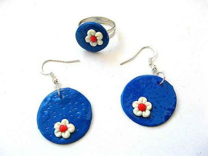 Bijuterii inel si cercei flori alb rosu pe fond albastru fimo 5580