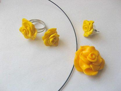 Bijuterii set colier, cercei si inel trandafiri galbeni fimo 5309