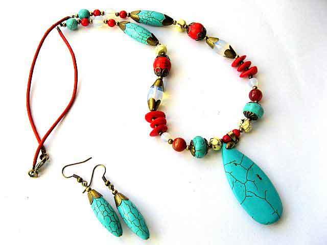 Coral, agate, turcoaz si piatra lunii, set bijuterii colier si cercei 18103