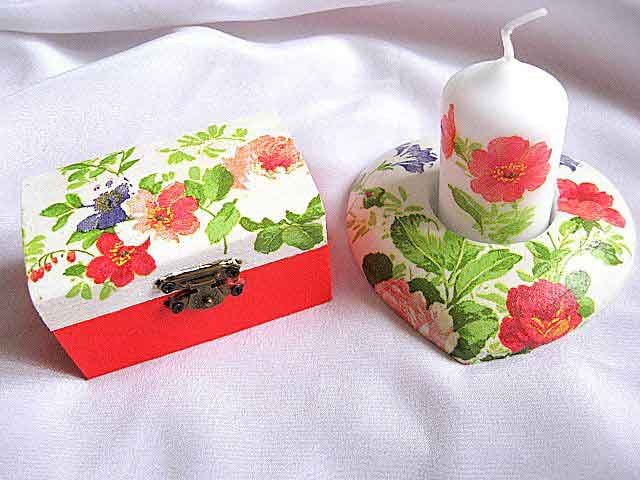 Floare mov, rosie si roz, set cutie si suport lumanare 24077