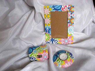 Flori abstracte diverite culori, cutie, rama si suport lumanare 25357