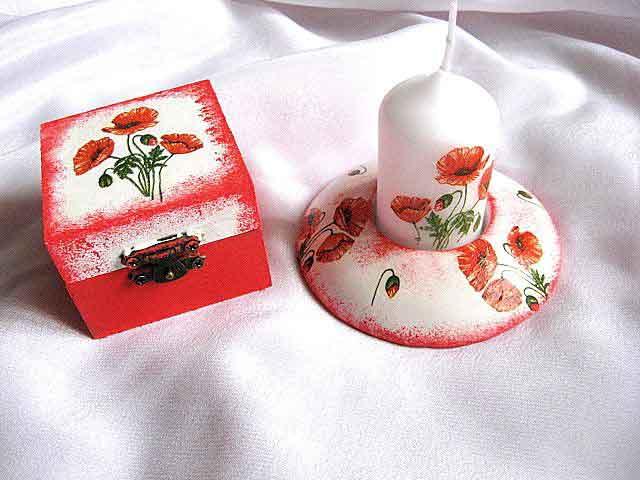 Flori de maci pe fond alb cu rosu, set cutie si suport lumanare 24070