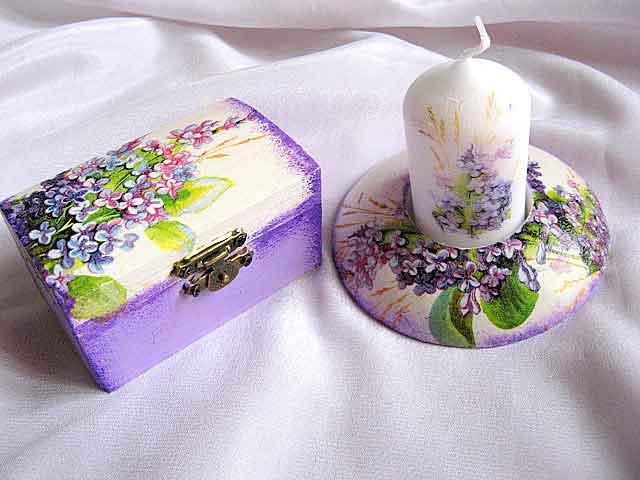 Flori mov si frunze verzi, set cutie si suport lumanare 24073.