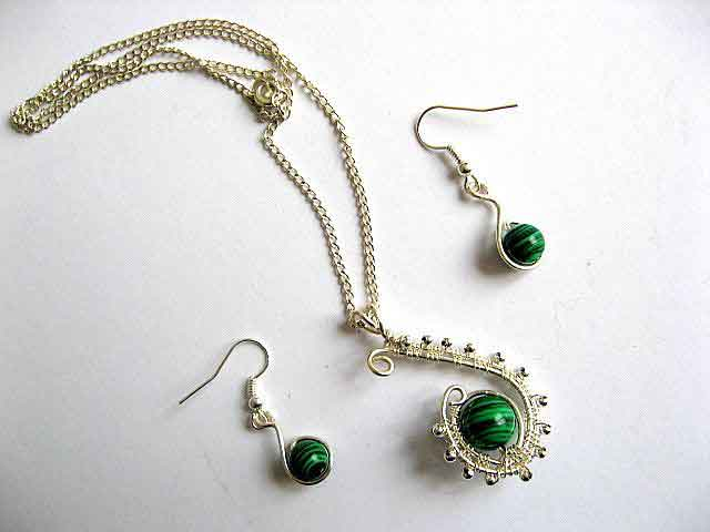 Malachit si sarma argintata set bijuterie colier si cercei 19267
