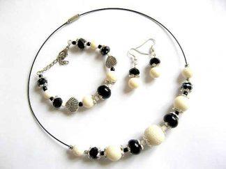 Onix si coral, set bijuterii colier, bratara si cercei 15552