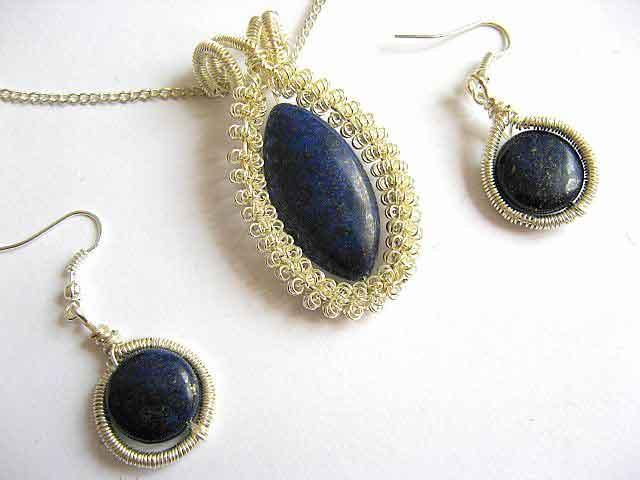 Piatra semipretioasa lapis lazuli set colier si cercei