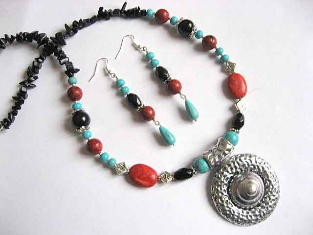 Set bijuterii cercei si colier, coral, turcoaz si onix 23502
