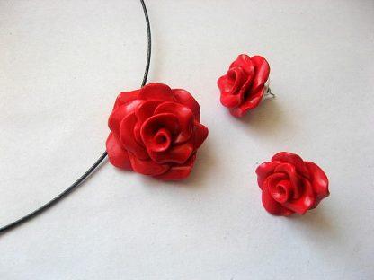 Set bijuterii fimo colier si cercei trandafiri rosii 5307
