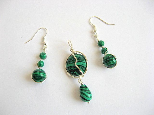 Set bijuterii pietre malachit verde cu negru pandantiv si cercei 20773