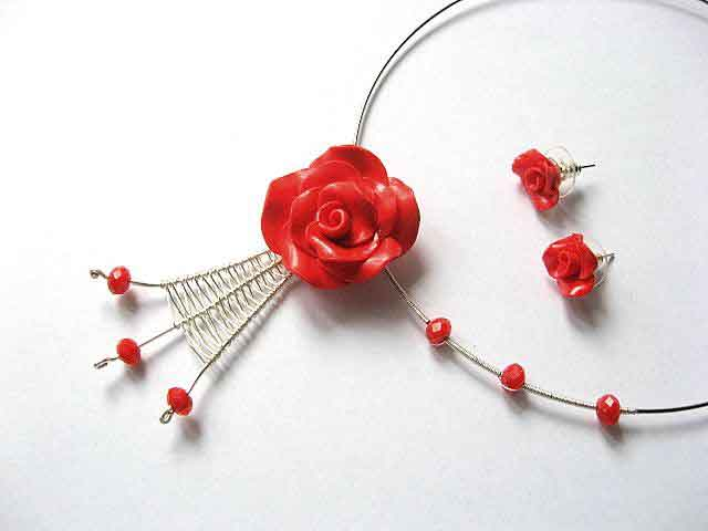 Set bijuterii trandafiri rosii, colier si cercei 16910