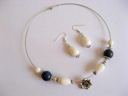 Set cercei si colier, simplu si deosebit, coral albastru si alb 16982