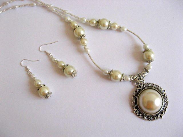 Set colier cu pandantiv si cercei perle sticla alba 16983.