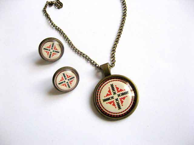 Set pandantiv si cercei bijuterii motive traditionale 27369