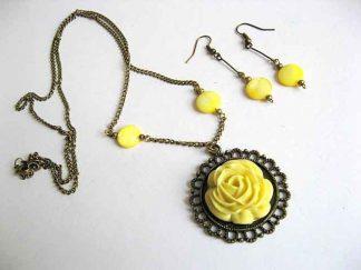 Trandafir galben colier cu pandantiv si cercei, set sidef 19760