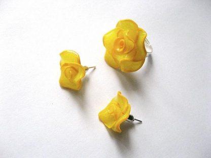 Trandafiri galbeni set cercei si inel fimo 13453