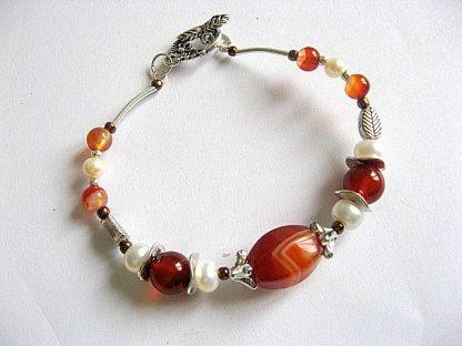 Agate si perle de cultura, bijuterie bratara culori maro, alb, portocaliu 16642