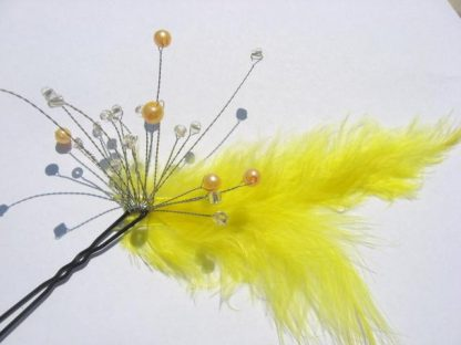 Agrafa mireasa culoare galbena, accesoriu nunta din puf 0252