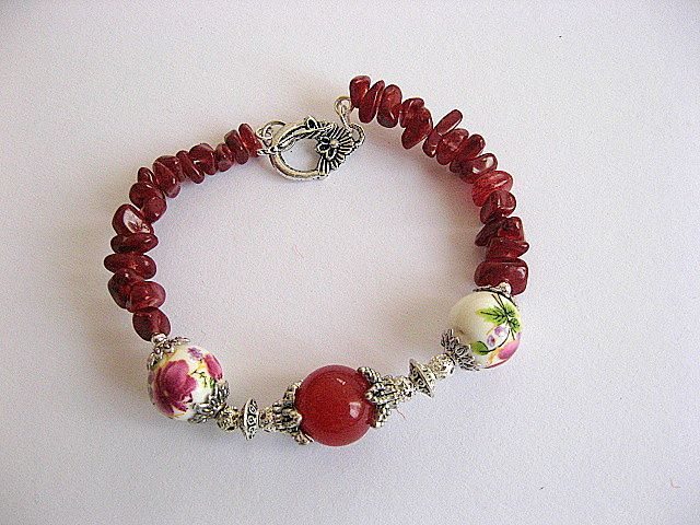 Bratara agate rosii, margele portelan si clisuri sticla 17433