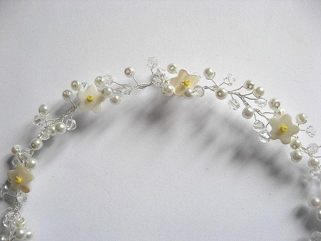 Coronita mireasa nunta flori sidef galbene, perle sticla si cristale 27292 - vedere de aproape