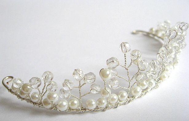 Diadema mireasa, produs nunta cristale si perle sticla 20320 din alt unghi