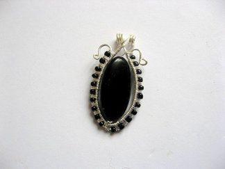Pandantiv onix culoare neagra si sarma argintata, piatra semipretioasa 22180.