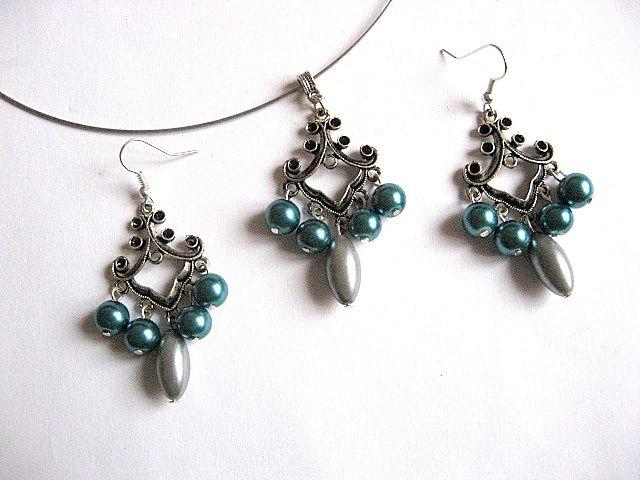 Perle sticla verde inchis si gri bijuterii set colier si cercei 26059