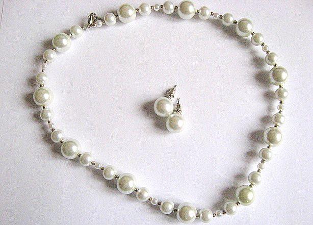 Set perle sticla colier si cercei cu surub 25951