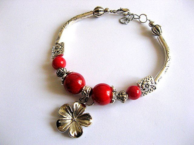 Bratara coral rosu si ornamente metalice, bratara reglabila femei 28632