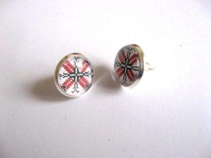 Cercei avand motiv traditional, culori alb, negru si rosu 28342
