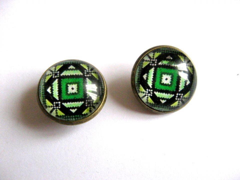 Cercei cu surub cu motive traditionale culoare verde inchis verde deschis 28385 poza a 2a