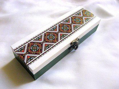 Cutie motive traditionale decorata cu hartie decoupage, cutie lemn 28551