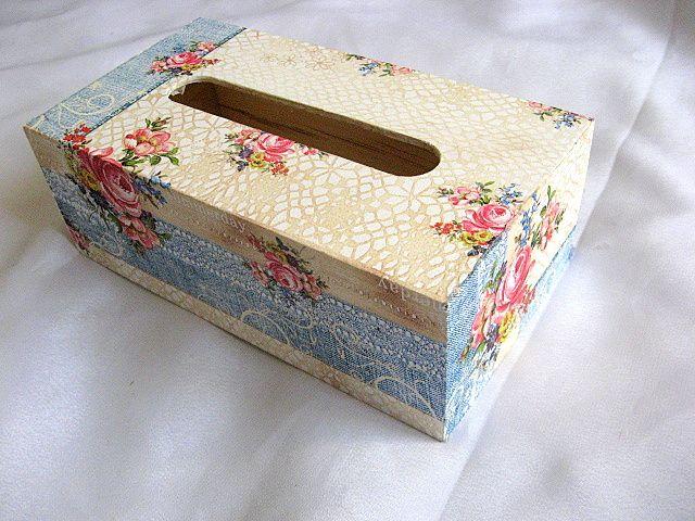Cutie servetele motive florale pe fonduri de albastru si maro 27614