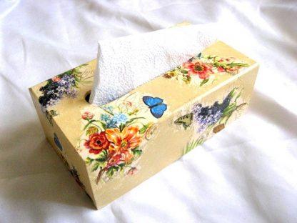 Flori campenesti culori vii si fluturi albastri si galbeni cutii servetele 26066 poza 3
