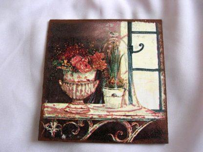 Flori in vaza si planta in ghiveci pe masa langa o fereastra, tablou lemn 23837.