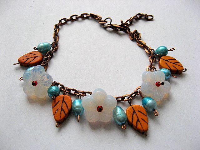 Howlite, perle naturale si sticla Cehia, bratara femei 18776