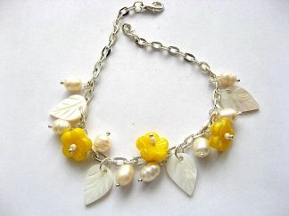 Perle, sidef si flori culoare galbena sticla Cehia, bratara femei 18261