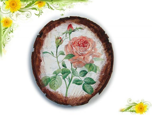 Tablou pe lemn natur cu model de trandafir inflorit si alti 2 imbobociti 5724