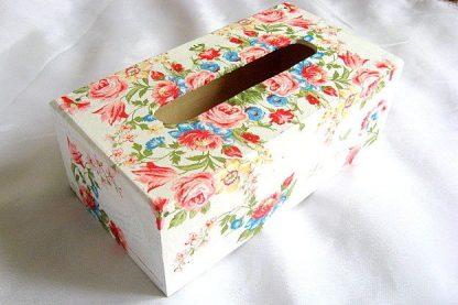 Trandafiri, lalele, maci, albastrele, narcise, cutie servetele model flori 26897