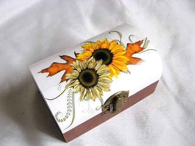 Cutie de lemn cu colturile rotunjite cu model de floarea soarelui 28735