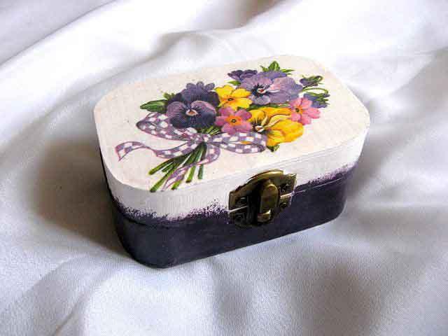 Cutie rotunjita la colturi din lemn natural model 27833