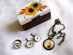 Set cadou cutie, cercei, inel si pandantiv floarea soarelui 28665