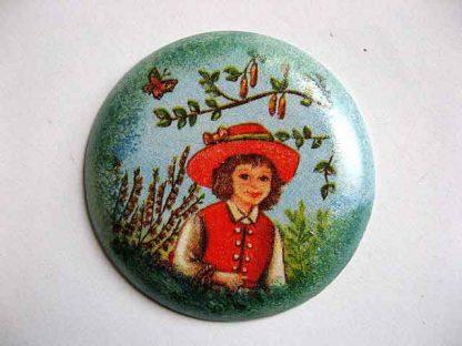 Copil imbracat in costum traditional francez cu fluture, magnet frigider 24379