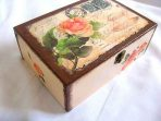 Cutie lemn design carte postala si trandafiri, model cutie 28028