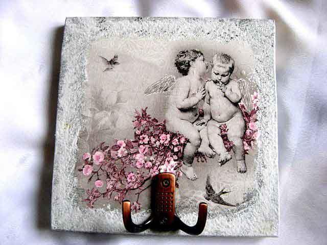 Doi ingeri de copii pe o ramura de cires si doua randunici, cuier haine 26235