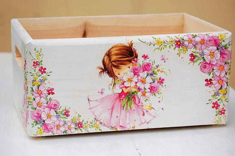 Lada cu fetita cu buchet de flori si ornamente florale model 8431 poza a 2a