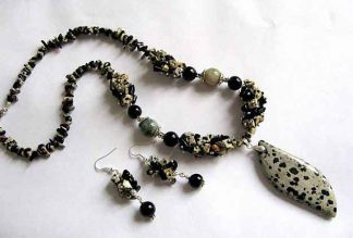 Set bijuterii colier, pandantiv si cercei, jasper dalmatian, agate, onix 19052