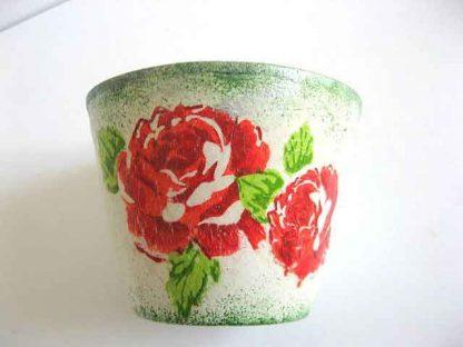 Vaza ceramica trandafiri rosii, vaza ceramica pe fundal vintage 21831